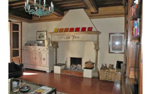 Lussuoso appartamento in vendita nel centro storico di Pietrasanta Cod 1382