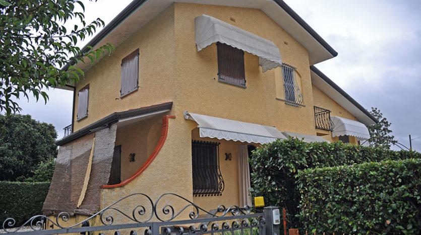 Villa in vendita nella campagna di Seravezza cod 1622