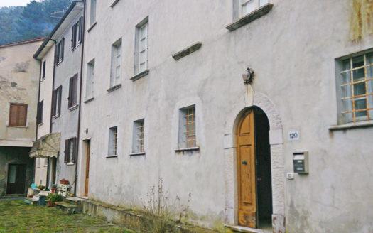 Casale in vendita sulla collina di Pietrasanta cod 1492