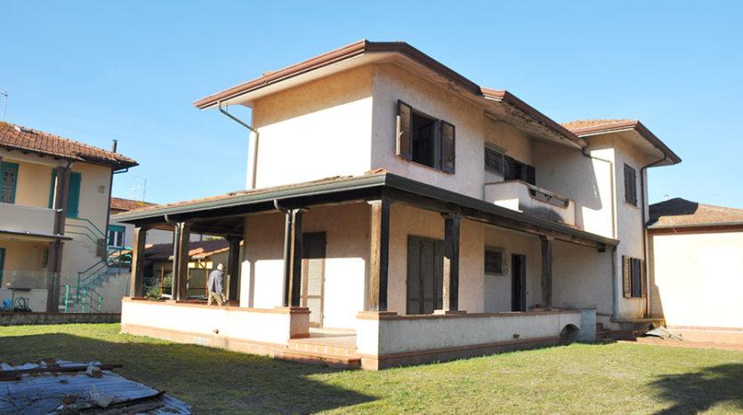 Villa bifamiliare in vendita a Marina di Pietrasanta Cod 1450