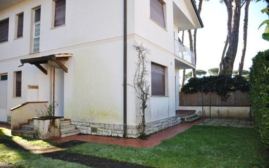 Villa bifamiliare in vendita a Marina di Pietrasanta Cod 1641
