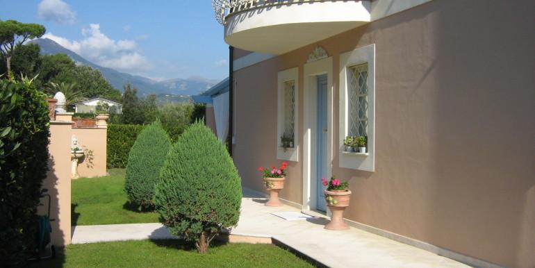 Villa in vendita a Marina di Pietrasanta