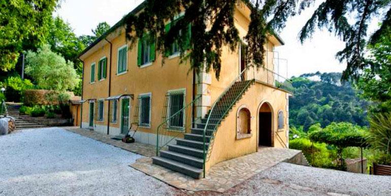 Casale in vendita sulle colline di Camaiore