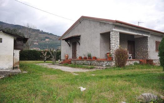 Villetta disposta sul solo piano terra in vendita nel Comune di Pietrasanta