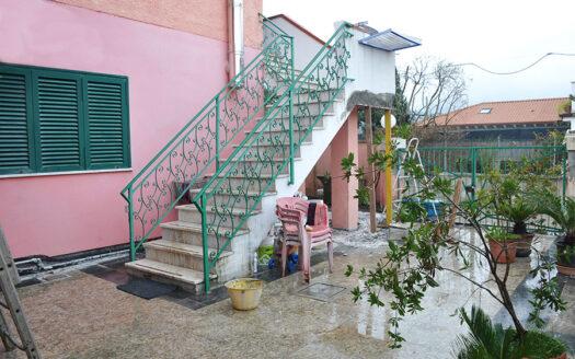 Casa a Pietrasanta - Appartamento in vendita nella campagna di Pietrasanta Cod 1734