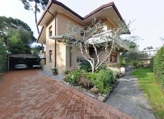 Villa in Versilia - Villa in vendita a Marina di Pietrasanta Cod 1076