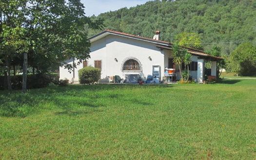 Villa in campagna - Villa in vendita nella campagna di Pietrasanta Cod 1737