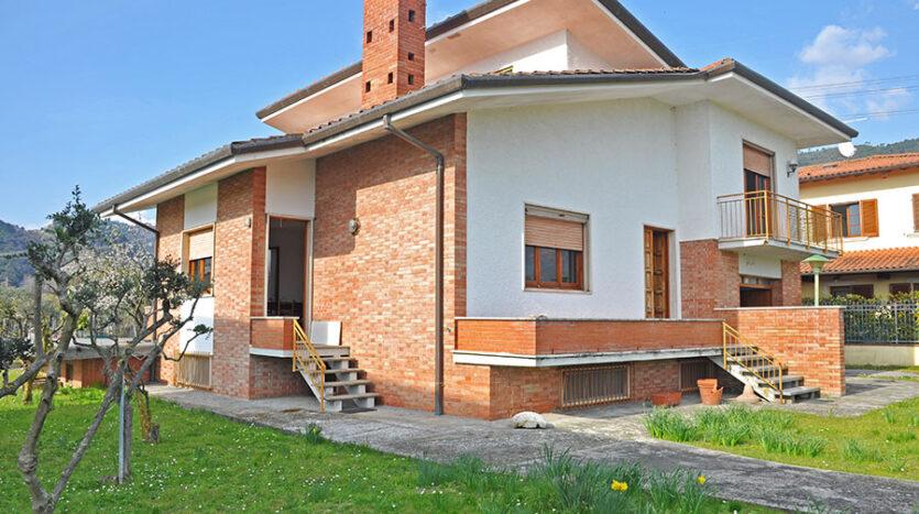 Villa in campagna - Villa in vendita nella campagna di Seravezza Cod 1749