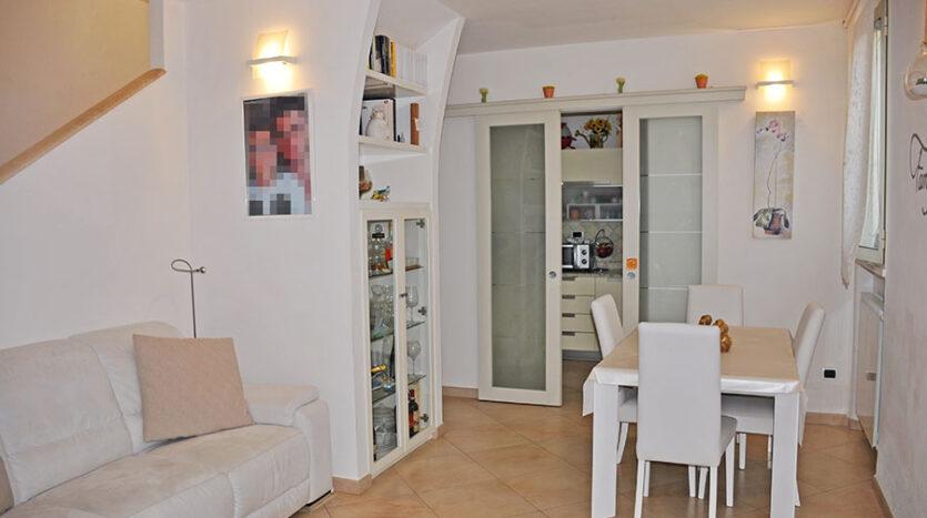 casa a Querceta - Appartamento in vendita a Querceta